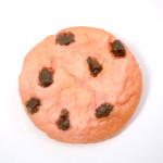 いちごチョコチップクッキーのブローチ